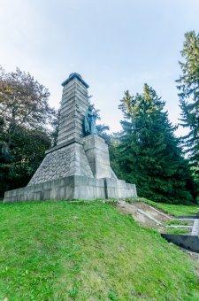 Pomník J. Š. Baara na Výhledech