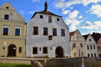 Radnice v Horšovském Týně (čp. 52)