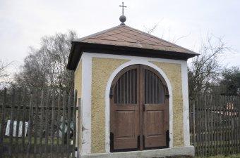 Kaple U Tří křížů v Koutu na Šumavě