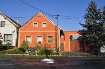 Venkovské usedlosti v Polžicích (čp. 4, 6, 8, 17)