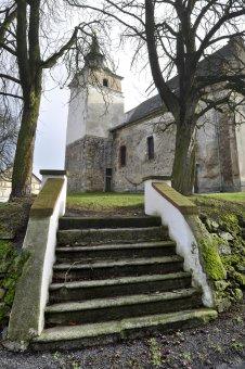 Kostel sv. Jiří v Semněvicích