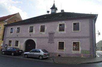 Radnice ve Staňkově (čp. 1)