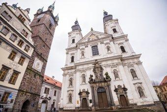 Kostel Neposkvrněného Početí Panny Marie a sv. Ignáce v Klatovech