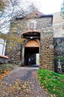 Hrad a zámek Klenová (čp. 1)