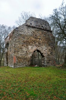 Zřícenina kostela sv. Markéty v Poleni