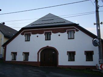 Městské domy ve Velharticích (čp. 10, 101, 102, 117)