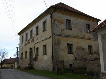 Fara v Budislavicích (čp. 6)