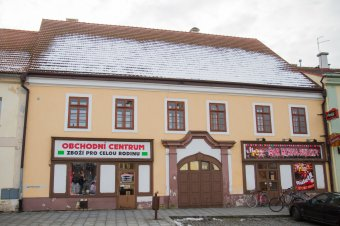 Městské domy v Dobřanech (čp. 5, 112, 147, 148, 157)