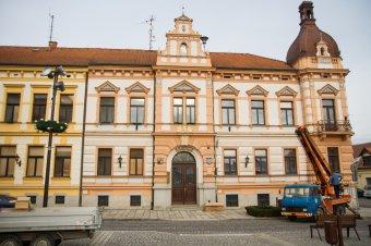 Radnice v Dobřanech (čp. 1)