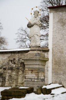 Socha sv. Jana Nepomuckého v Přestavlkách