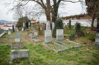 Židovský hřbitov ve Spáleném Poříčí