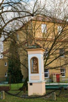 Výklenková kaplička v Kozojedech