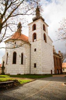 Kostel sv. Petra a Pavla v Kralovicích