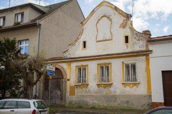 Městské domy v Kralovicích (čp. 6, 24, 25, 35, 132, 159)