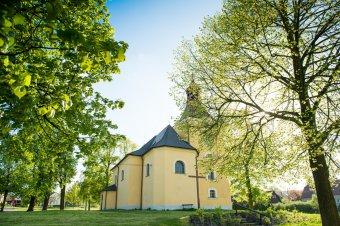 Kostel sv. Jakuba a Filipa ve Lhotě pod Radčem