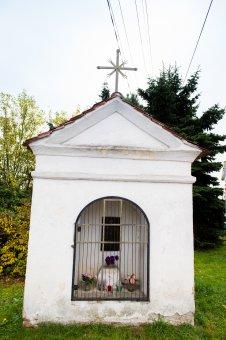 Kaplička v Újezdu u Svatého Kříže