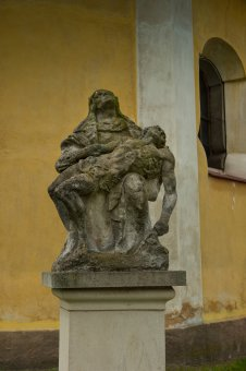 Socha Panny Marie Bolestné ve Volduchách
