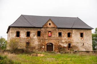 Zámek Kopec v Prostiboři