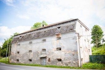 Sýpka (bývalý kostel sv. Wolfganga) v Tachově